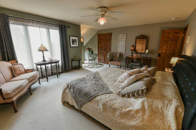 Image of the Brianna Fireplace Suite