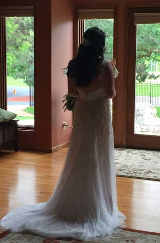 Bride ready to walk down the aisle