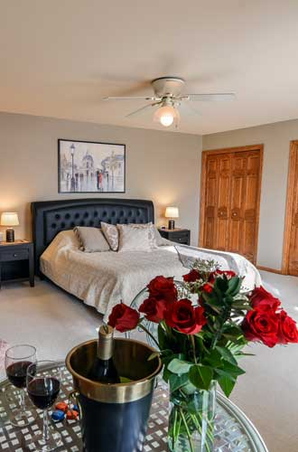 Enhance your stay with wine and flowers